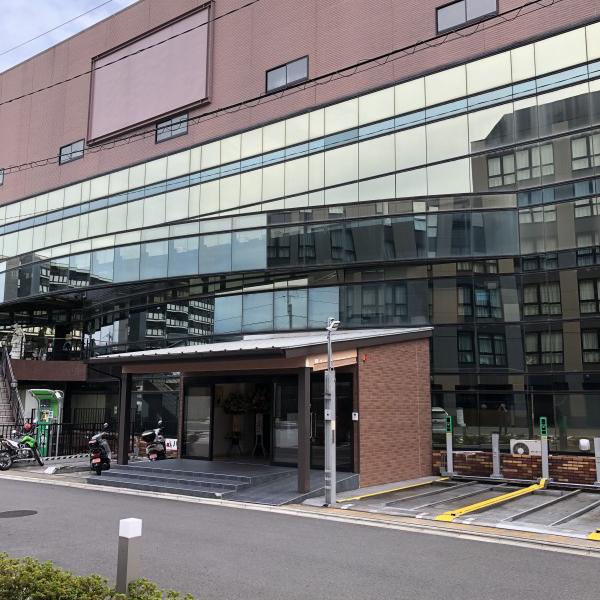 72ゴルフクラブ京都駅前校入り口